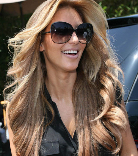 Cheveux blonds  quelle coloration adopter pour devenir blonde et comment lentretenir ?